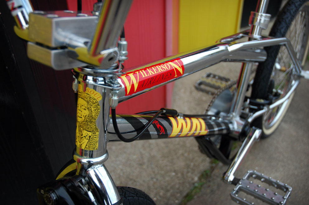 http://www.sirmerlin.com/wp-content/uploads/2012/08/wilkerson_airlines_riot_bmx_front_detail.jpg
