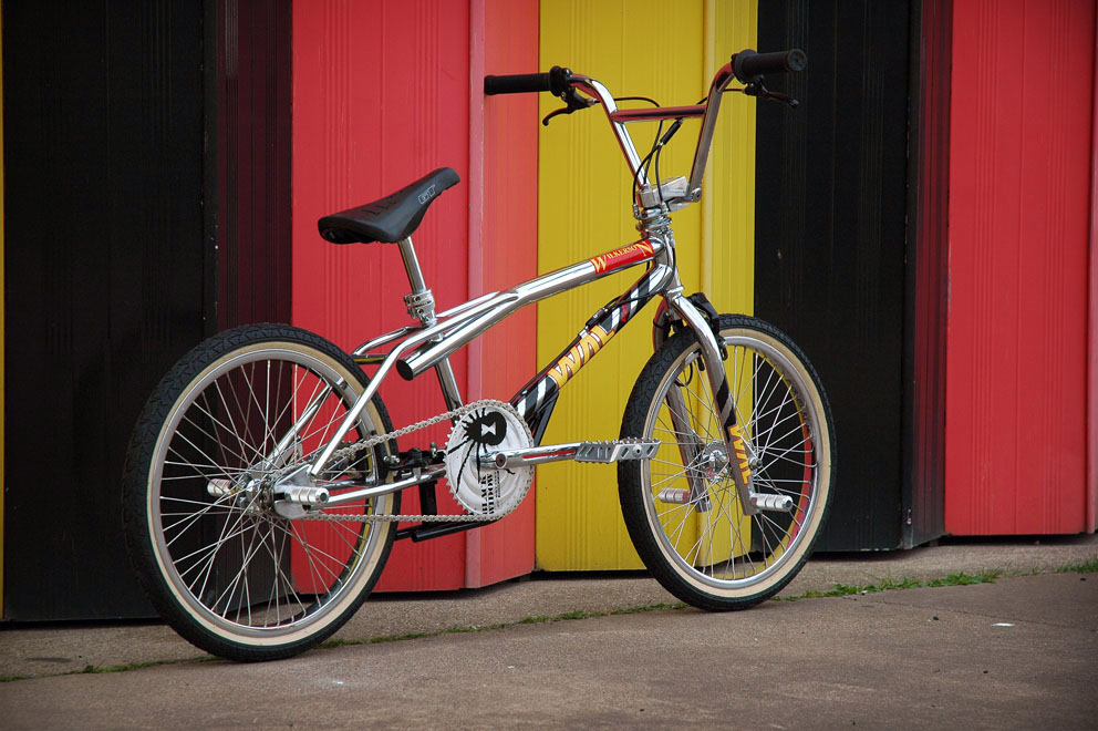 http://www.sirmerlin.com/wp-content/uploads/2012/08/wilkerson_airlines_riot_bmx_rear_view_drive.jpg