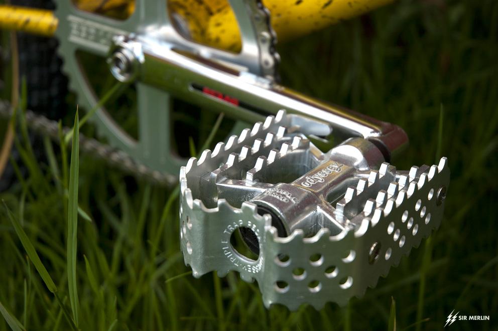 http://www.sirmerlin.com/wp-content/uploads/2013/05/cyclecraft_xlx_bmx_redline_flight_odyssey_tripple_trap.jpg