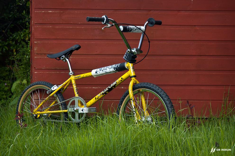http://www.sirmerlin.com/wp-content/uploads/2013/05/cyclecraft_xlx_bmx_side_quarter_fredz_bars.jpg