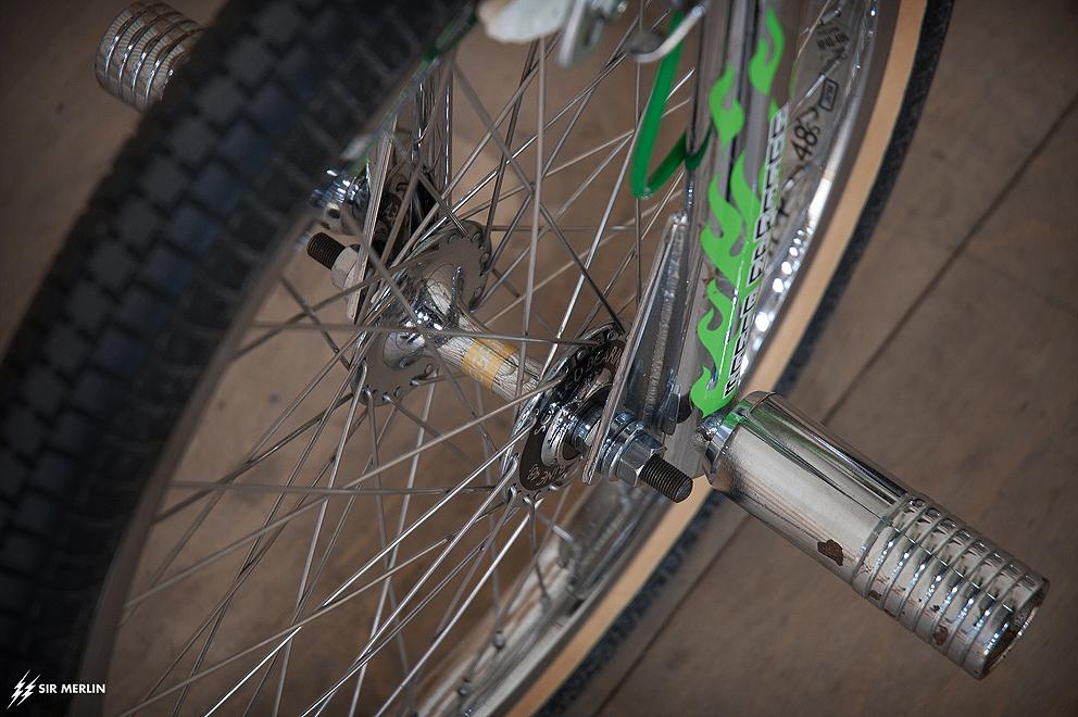 http://www.sirmerlin.com/wp-content/uploads/2015/04/93-hoffman-condor-chrome-se-made-bmx-peregrine-front-wheel.jpg