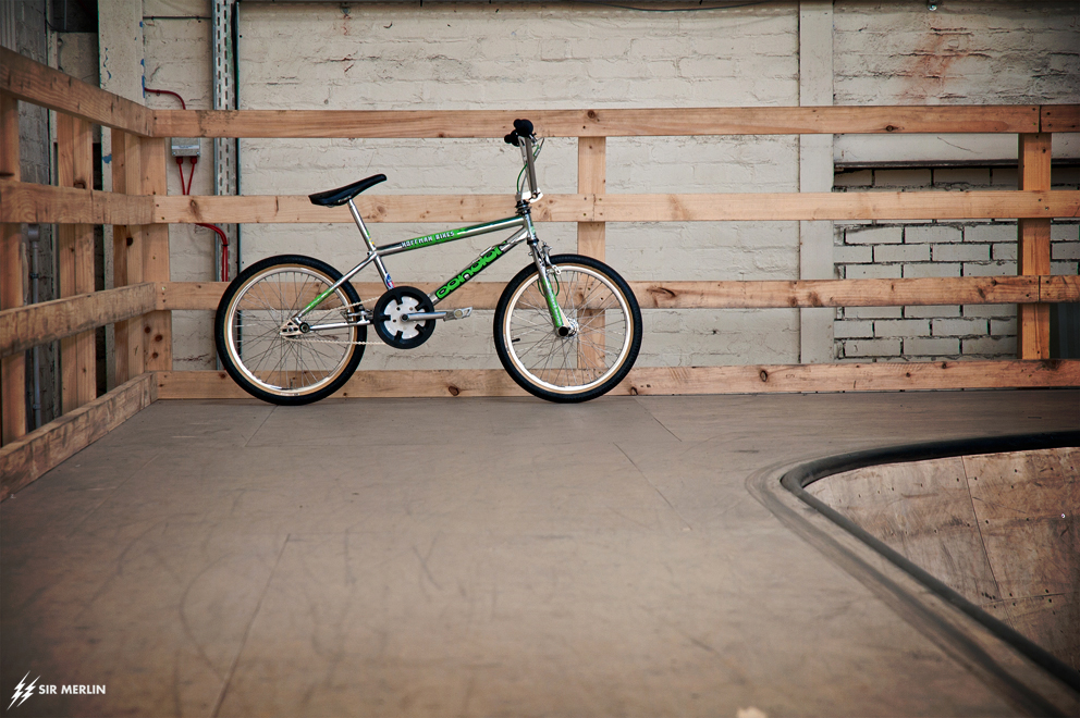 http://www.sirmerlin.com/wp-content/uploads/2015/04/93-hoffman-condor-chrome-se-made-bmx-side-view-far.jpg